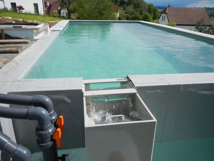 schwallwasserbeh lter berechnen schwimmbad und saunen. Black Bedroom Furniture Sets. Home Design Ideas